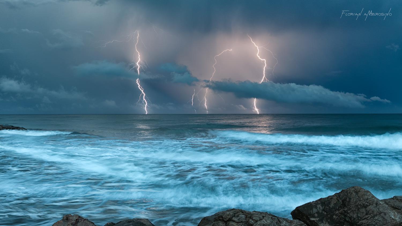 Déluge de foudre Méditerranéen
